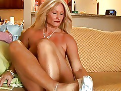 moms tight pussy xxx videos